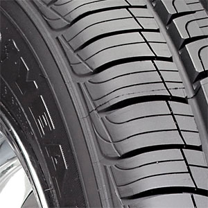 4 new 225 70 16 goodyear assurance comfortred touring 70r r16 tires ebay. Black Bedroom Furniture Sets. Home Design Ideas
